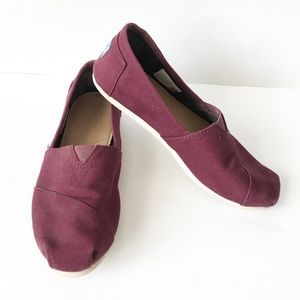 TOMS Maroon Cancas Slip On Shoes Flats size 8.5